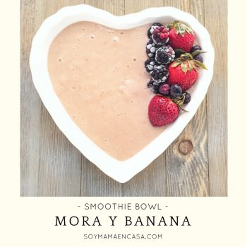 smoothie bowl de mora y banana